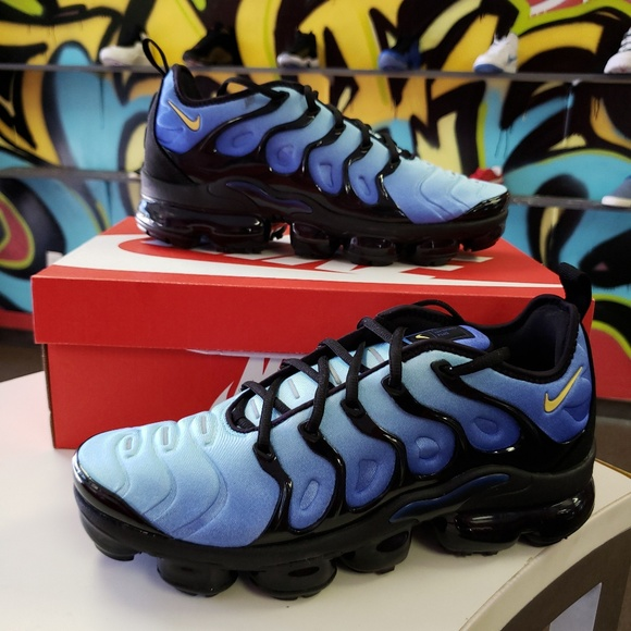 b1e074daa3 Nike Shoes | Air Vapormax Plus Size 9 Hyper Blue Deadstock | Poshmark